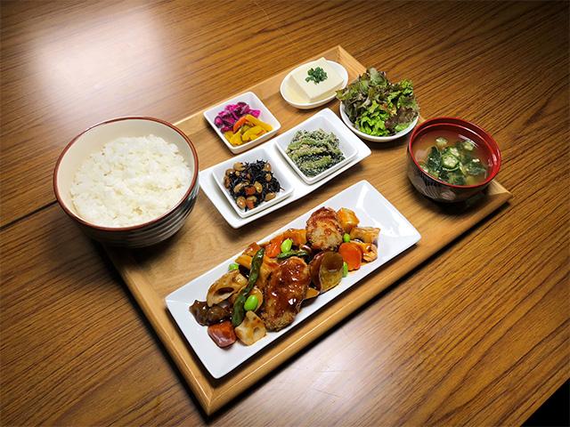 白身魚とごろごろ野菜あんかけ